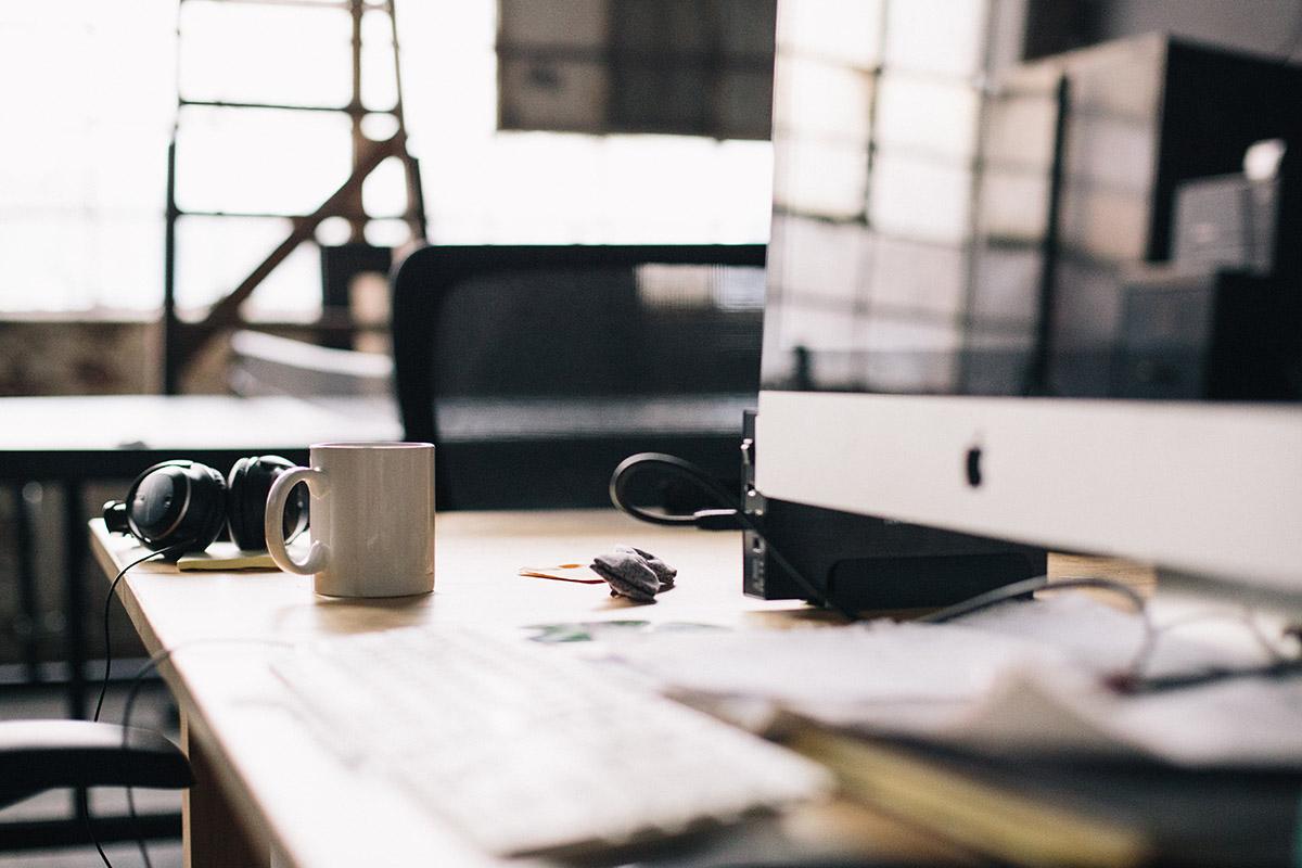 minimalistic-working-space