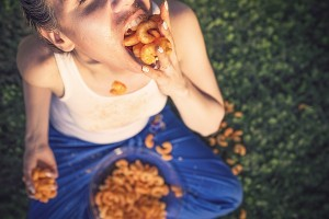 <alt=&quot;śmieciowe jedzenie nie jest dobre dla Twojego mózgu&quot; srcset=